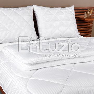 ENTUZIA přikrývka a polštáře Royal DELUXE Celoroční / celoroční 1100g 140/220